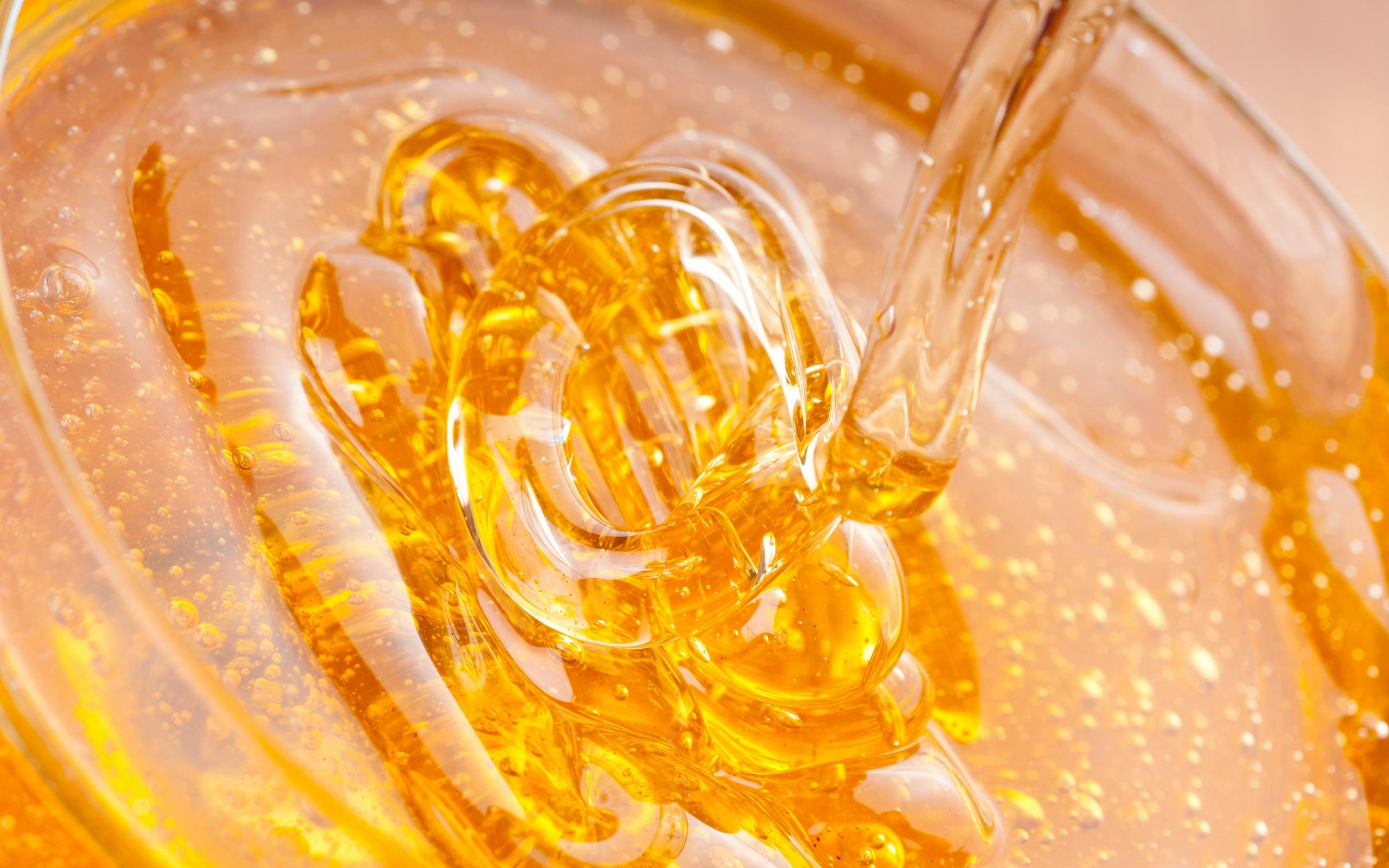 Густой прозрачный мед