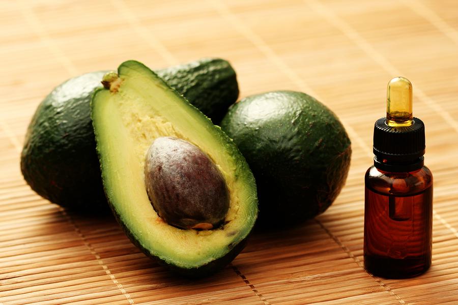 Авокадо с косточкой