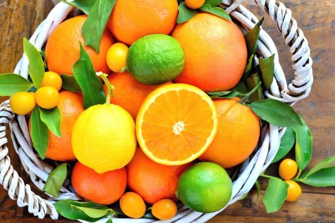 Лимон, лаймы, апельсины и кумкваты