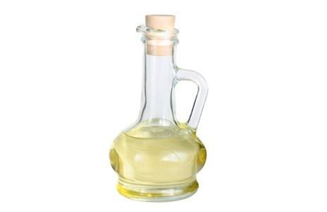 Уксус в бутылке из стекла